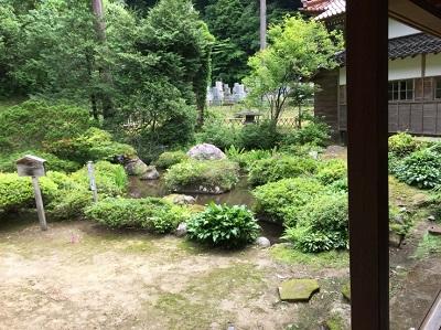 本泉寺4庭