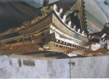 変換 ~ 寺修復前・屋根(左横)